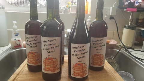 bottled blueberry pancake mead